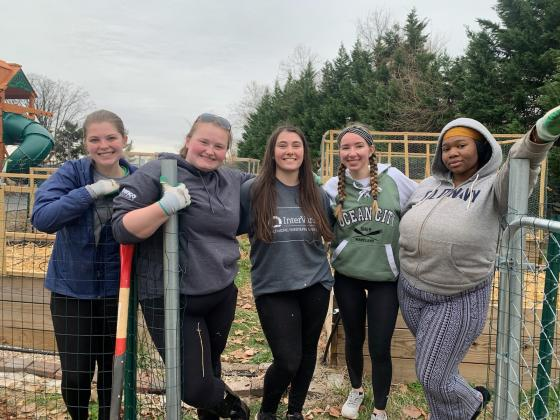 Alternative Spring Break 2020 - Blazer Urban Garden Volunteers