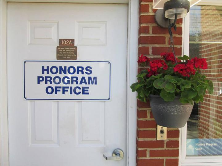 honors door geranium